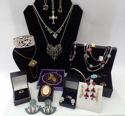 Job Lot Vintage Antique Jewellery Collection Necklaces Brooches 22 items