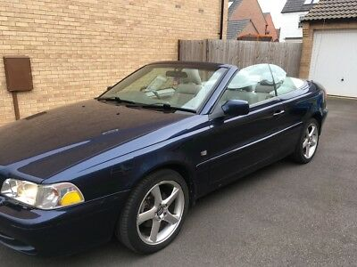 Navy blue Volvo convertible C70 2.0T