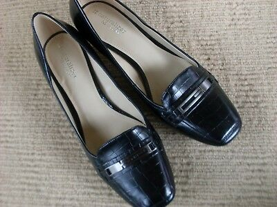 Lovely New Naturalizer Black Leather Comfort Heels, Size 9.5