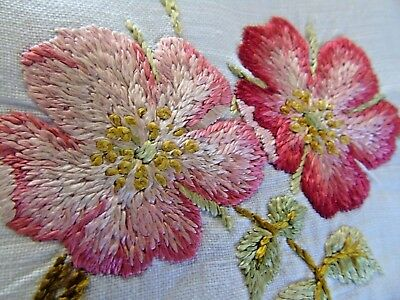 Stunning,Vintage,Hand Embroidered Tablecloth..Beautiful Roses& Rose Buds GC
