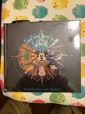 Walt Disney World 2018 Discover The Magic Mickey Autograph Book & PEN NEW