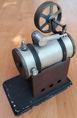 Alte kleine Lokomobile Dampfmaschine steam engine toy