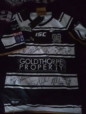 Hull FC Rugby League top signed by this years Squad