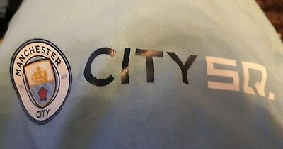 Childs Manchester city t-shirt - CITY SQUARE - Size 9 - 11 ( 140 )