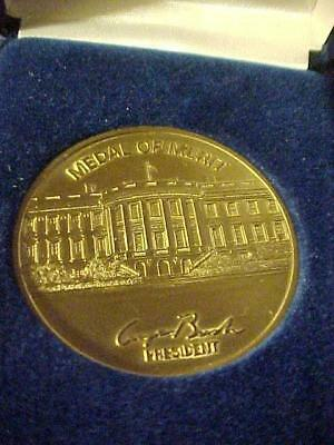 Medal of Merit-George Bush,Republician President(1989-1993) in Org Gift Box -162