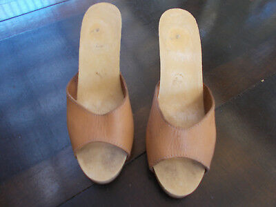 Womens leather open toe shoes size 7, heels - can pick up