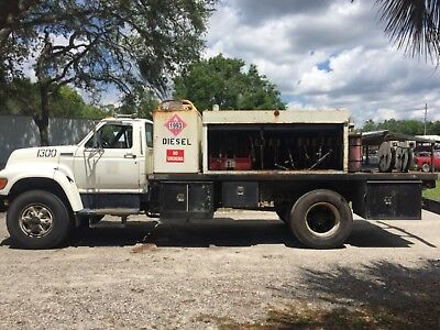Ford F series Grease and lube truck dryden body,, PTO driven 1997 automatic ,,Cu