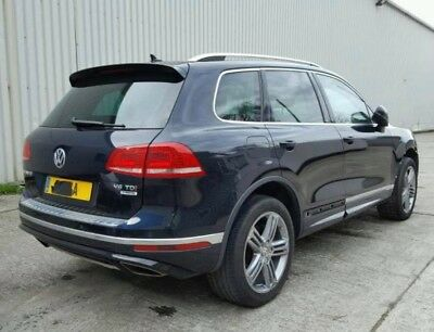 Volkswagen Touareg Rline 3.0 v6 Tdi 2015 blue damaged salvage spares or repairs