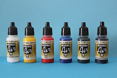 Vallejo Airbrush Model Air Set : 6 mal Basis Farben 17 ml, Airbrush