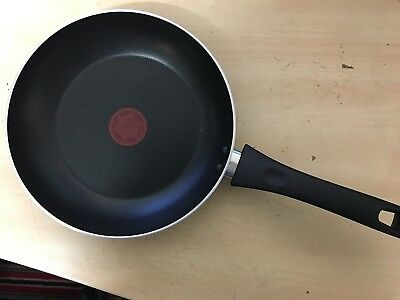Tefal Non-Stick 20cm RED Frying Pan                                      2A
