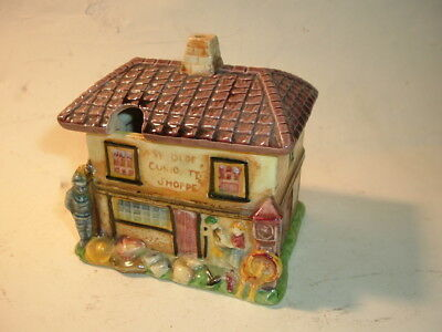 Marutomo Ware Country Cottage 'ye Olde Curiosity Shop'