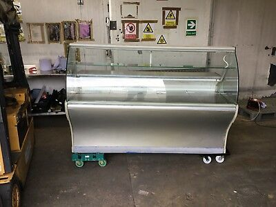 serve over counter display fridge  -RELISTED DUE TO BUYER NOT COLLECTING -
