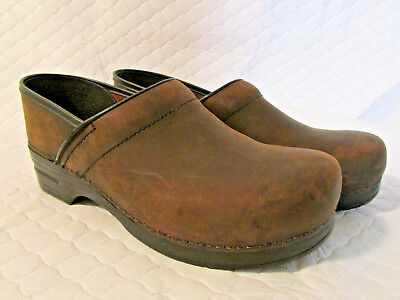 Dansko Men's Brown Oiled Leather Professional Stapled Clogs - Size 44/US 10.5-11