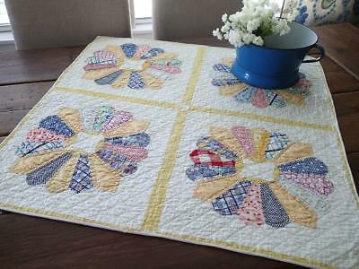 Summer Cottage Home Yellow & White VINTAGE 30s Dresden Plate Table or Crib QUILT