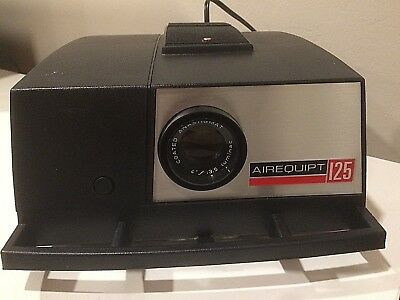 Vintage Airequipt projector model 125, excellent condition, comes in box