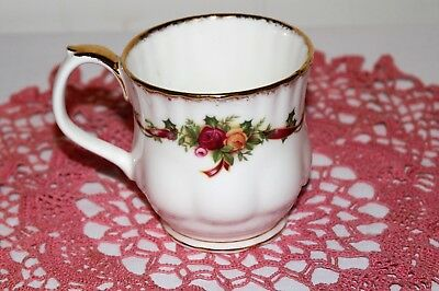 Royal Albert Old Country Roses Holiday Ribbons Breakfast Cup