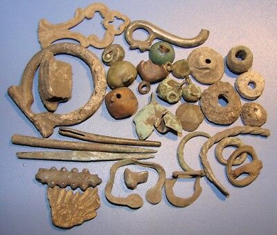 FRAGMENTS OF ANCIENT PRODUCTS. ROME, VIKINGI, SKIFS. BRONZE. 175 gr.