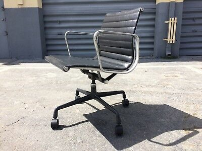Original Eames Aluminum Group Chair for Herman Miller Gray Leather #2 & ORIGINAL EAMES ALUMINUM Group Chair for Herman Miller Gray Leather ...