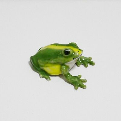 Fat Green Frog Ceramic Animal Figurine Miniature Home Decor Collectible Gift 1