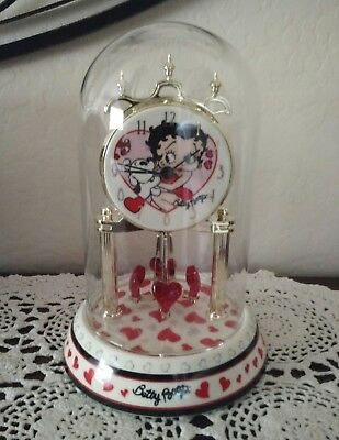 Betty Boop Porcelain Anniversary Clock Red & Pink Hearts With Pudgy Kisses 2007