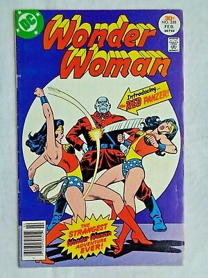 Wonder Woman Vol. 36 No. 228 February 1977 DC Comics First Printing VG/FN (5.0)