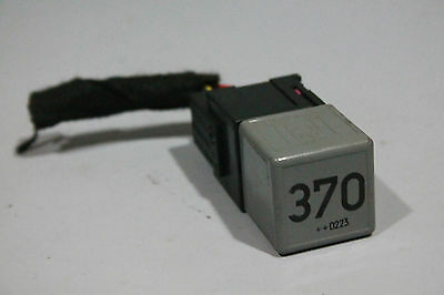 008 audi a4 b6 370 relay with connector genuine oem p n. Black Bedroom Furniture Sets. Home Design Ideas