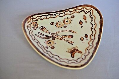 Unusual Shaped Tri Footed Piece Of Australian Pottery Dish Aboriginal Themed.