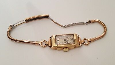 Vintage swiss made 9ct solid gold cased Wind Up wristwatch - working order