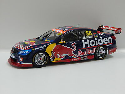 1:18 Holden VF Commodore - Red Bull Racing (J.Whincup) 2017 #88 Classic Carlecta