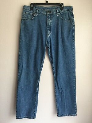 8262030a Wrangler Mens Jeans Size 36X32 Relaxed Fit Light Wash Cotton Blue Denim