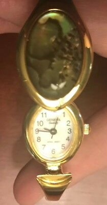 Vintage Retro Geneva Gold -Tone Spring Loaded Retractable Wrist Watch  EUC