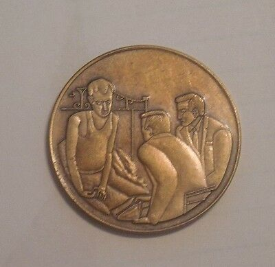 Aa Coin Bronze Alcoholics Anonymous Man On Bed Chip Medallion New