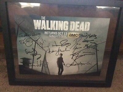THE WALKING DEAD Cast 11x Signed 11x17 Photo w/ Andrew Lincoln