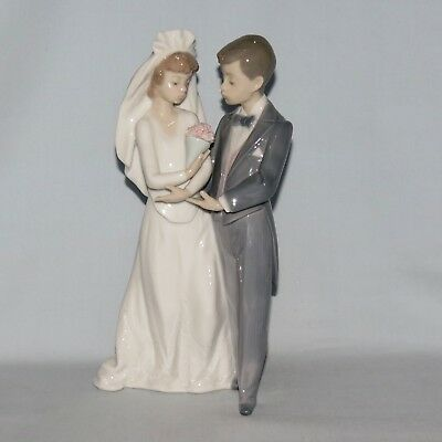 Lladro Spain Bride and Groom From this Day Forward figure