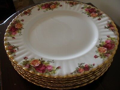***ROYAL ALBERT OLD COUNTRY ROSES Dinner Plates