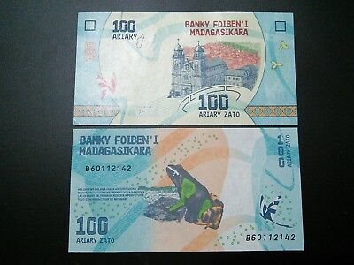 100 X2 Madagascar Ariary Zato $200 Dart Frog UNC Currency Sequential Bills