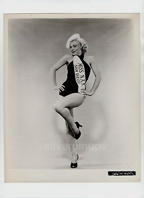 afdeef81b142b ORIG 1952 MARILYN MONROE in Swimsuit..