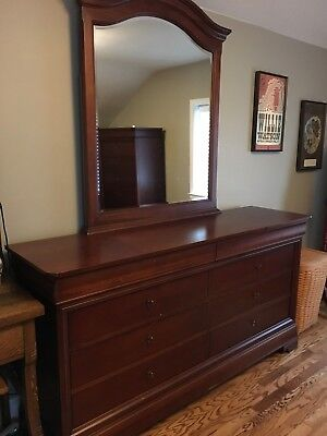 Thomasville Impressions Bedroom Furniture Set Collectors Cherry