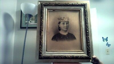 Rare large Antique 1800s lady/woman  Charcoal Portrat Drawing . Solid wood frame