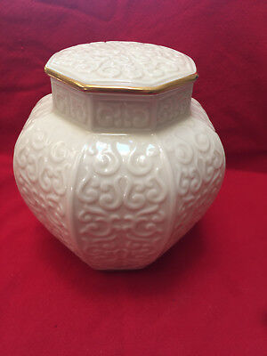 """Lenox ARABESQUE Asian style Ginger Jar w/ Gold """"Tags still attached"""""""