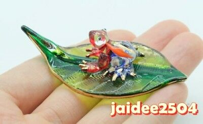 Figurine Animal Hand Blown Glass Frog on Leaf Gold Trim -