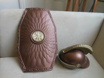 Great fun boys play Roman centurion eagle shield& plumed hat play fancy dress