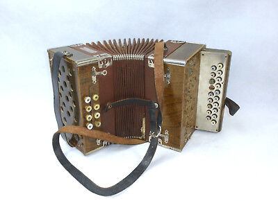 Old Accordion in Case Meinel & Herold musikinstrumentenfabrik klingenthal