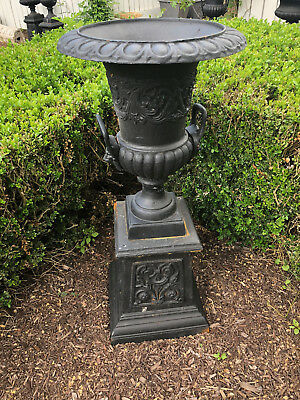 REPRODUCTION CAST IRON GARDEN URN on BASE