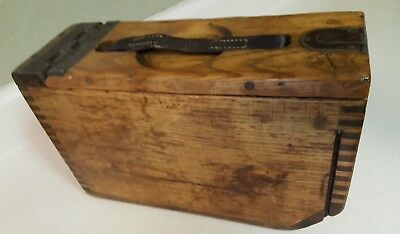 ~ RARE ~ ANTIQUE~ OLD ~ COLLECTABLE ~ WW1 USA Wooden Ammo Box  w/leather handle