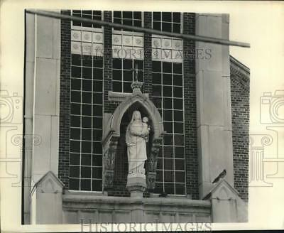 1975 Press Photo Madonna and Child at the Our Lady of Prompt Succor Church