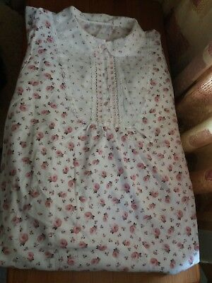 Vintage Marks and Spencer Size 16-18 (Long) Rose Themed Nightdress --