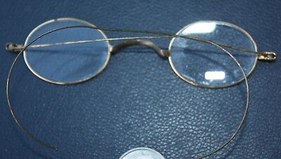 EARLY UNMARKED PAIR OF SMALL ANTIQUE WIRE RIM GLASSES w/HARD CASE