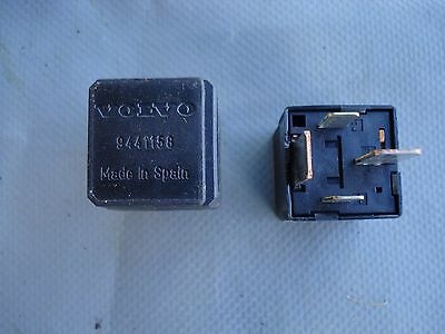 Volvo S80 S60 V70 S40 SX90 C30 XC70 Multi-Use Black Relay   9441158 11#45