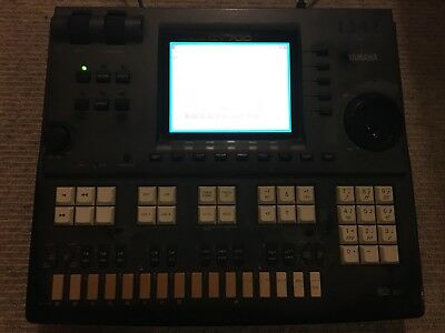 Yamaha QY700 Music Sequencer / Drum Machine / Synthesizer 👾